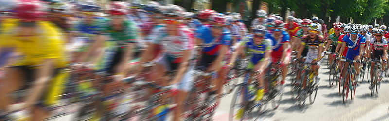 800px-Cycling_race