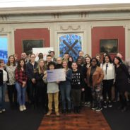Le Bourgmestre a reçu à l'Hôtel de Ville de Seraing, les membres du Conseil communal de la Jeunesse et les jeunes artistes qui ont participé au concert solidaire