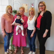 L'échevine de l'Etat Civil rencontre quatre générations de femmes
