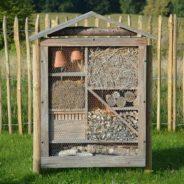 Un abri à insectes dans son jardin…