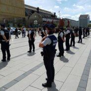 Les policiers de la zone locale de Seraing/Neupré se sont réunis ce vendredi sur la place Kuborn